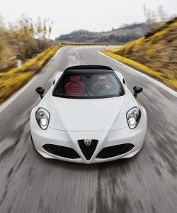 Alfa Romeo Spider 4C